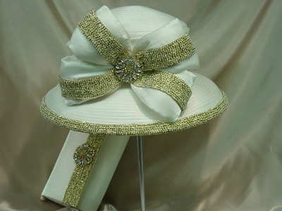 Ivory & Gold Wide brim -Sold Out
